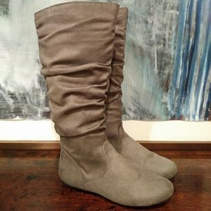 GRAY FAUX SUEDE SLOUCH CALF FLAT 6.5 BOOTS